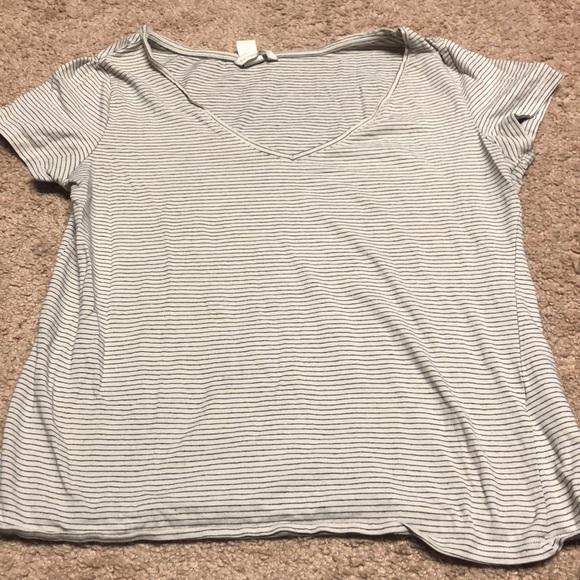 H&M Tops - Basic Tee